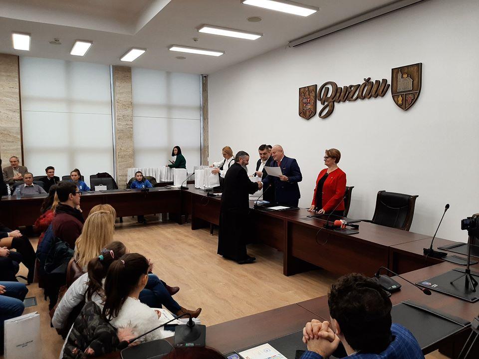 parintele Mihail Milea premiat Petre Emanoil Neagu