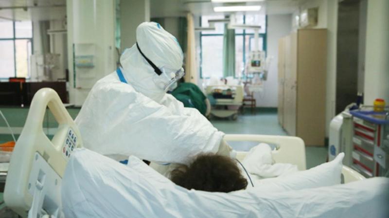 Altă zi cu număr mare de infectări. 46 de buzoieni, confirmați, vineri, cu COVID. Ce s-a întâmplat cu unul dintre bolnavi