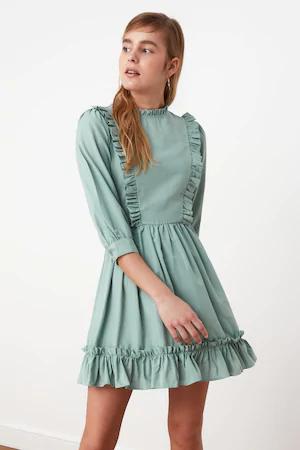 (P) Cum îți alegi rochia potrivită pentru petrecere în funcție de forma corpului tău
